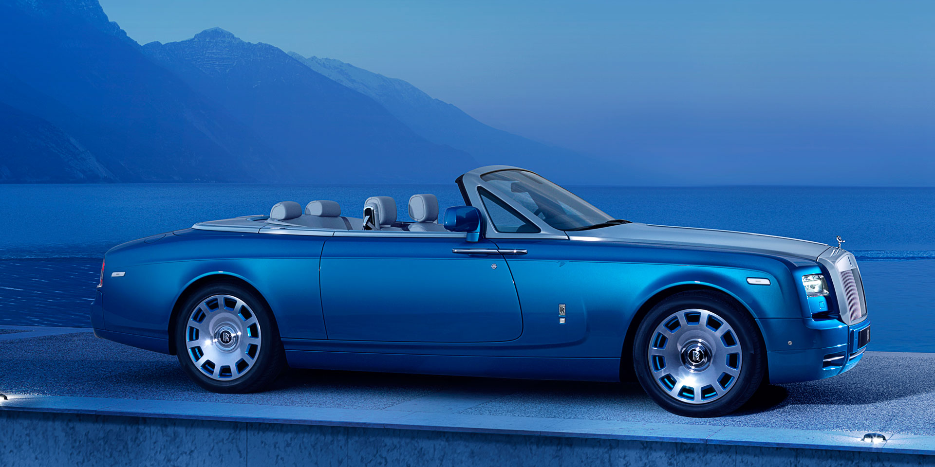 2018 Rolls Royce Phantom Drophead Coupe Vehicles On