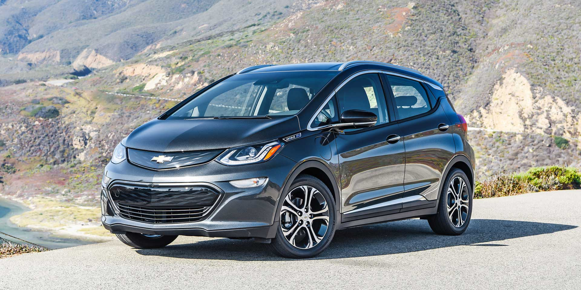2018 chevrolet bolt ev vehicles on display chicago auto show. Black Bedroom Furniture Sets. Home Design Ideas
