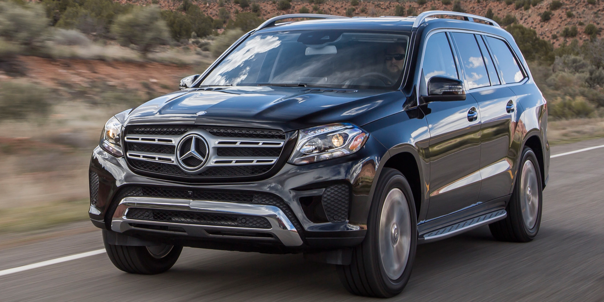 2018 mercedes benz gls vehicles on display chicago auto show. Black Bedroom Furniture Sets. Home Design Ideas