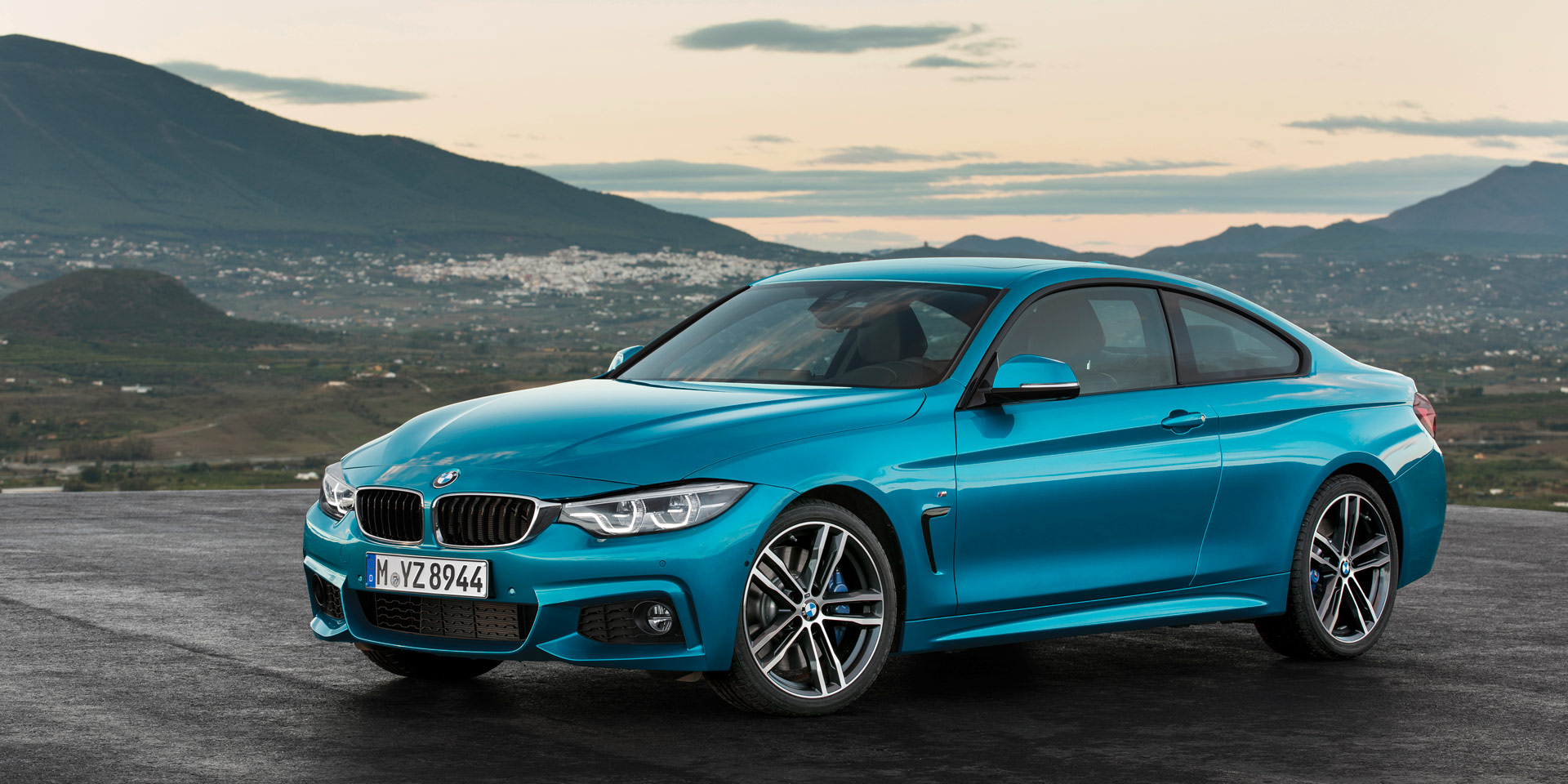 2019 bmw 4 series vehicles on display chicago auto show. Black Bedroom Furniture Sets. Home Design Ideas