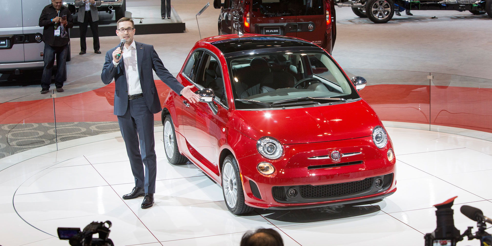 2018 fiat 500 vehicles on display chicago auto show. Black Bedroom Furniture Sets. Home Design Ideas
