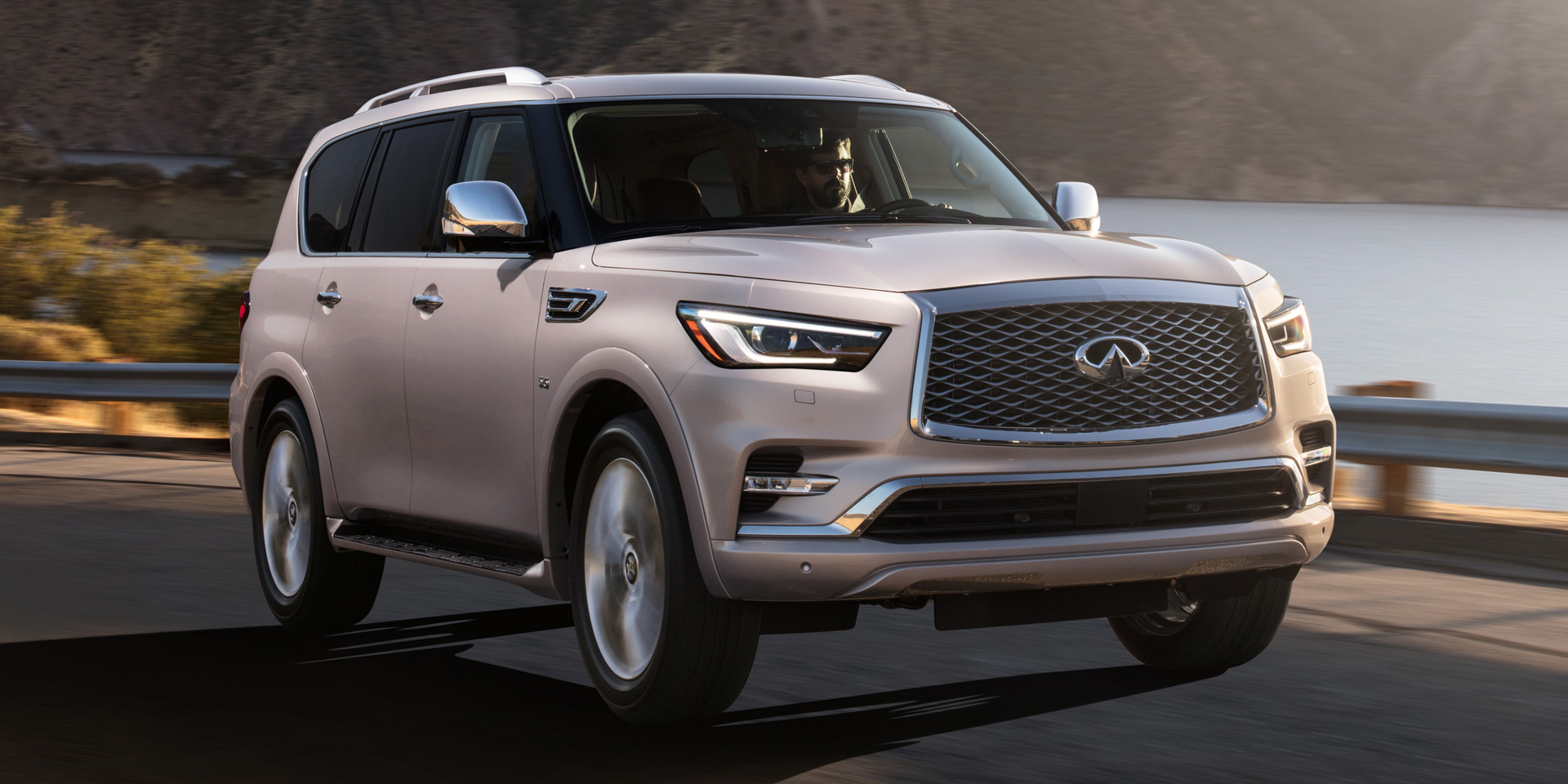 2018 infiniti qx80 vehicles on display chicago auto show. Black Bedroom Furniture Sets. Home Design Ideas