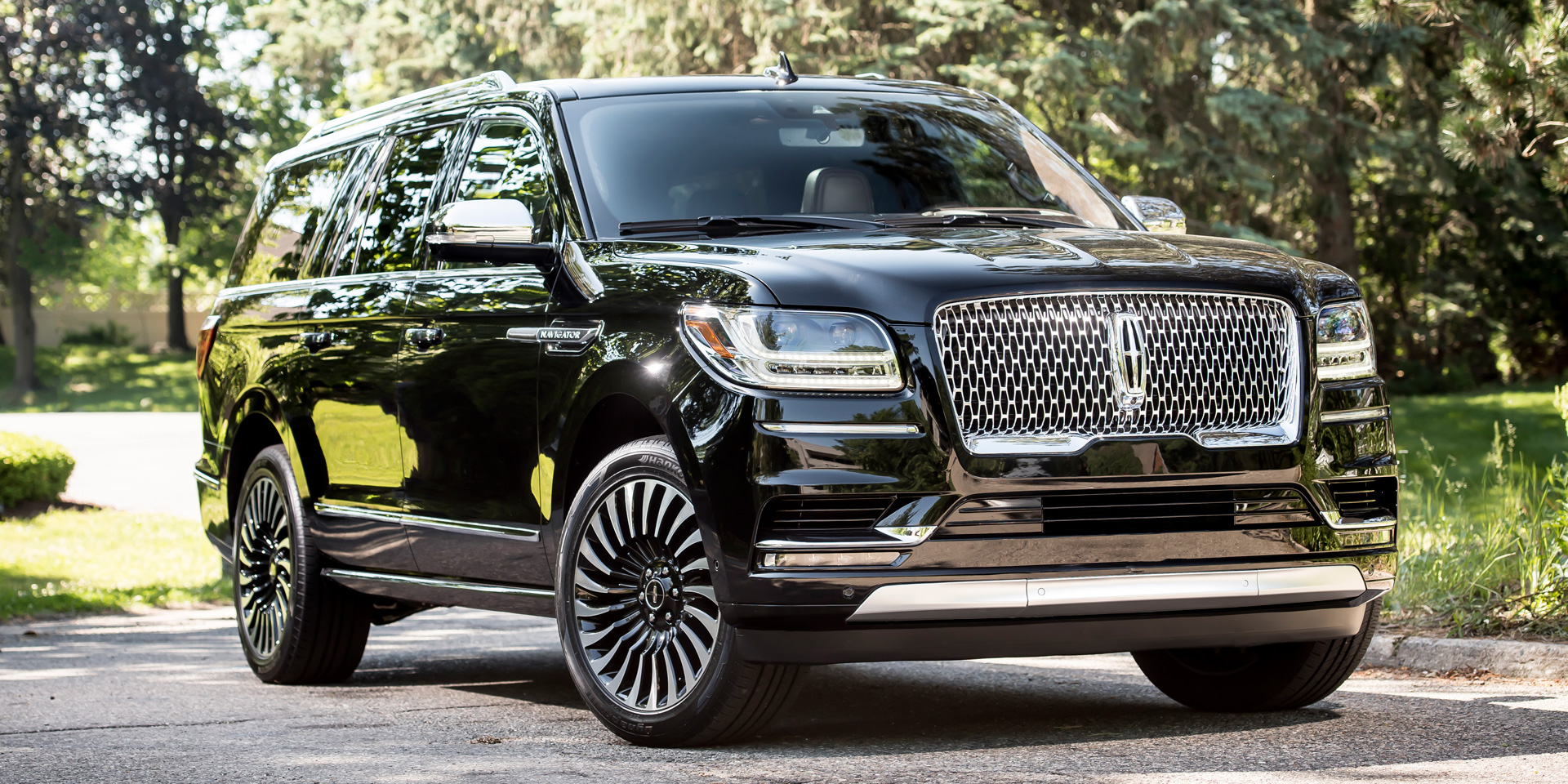 2018 lincoln navigator vehicles on display chicago auto show. Black Bedroom Furniture Sets. Home Design Ideas