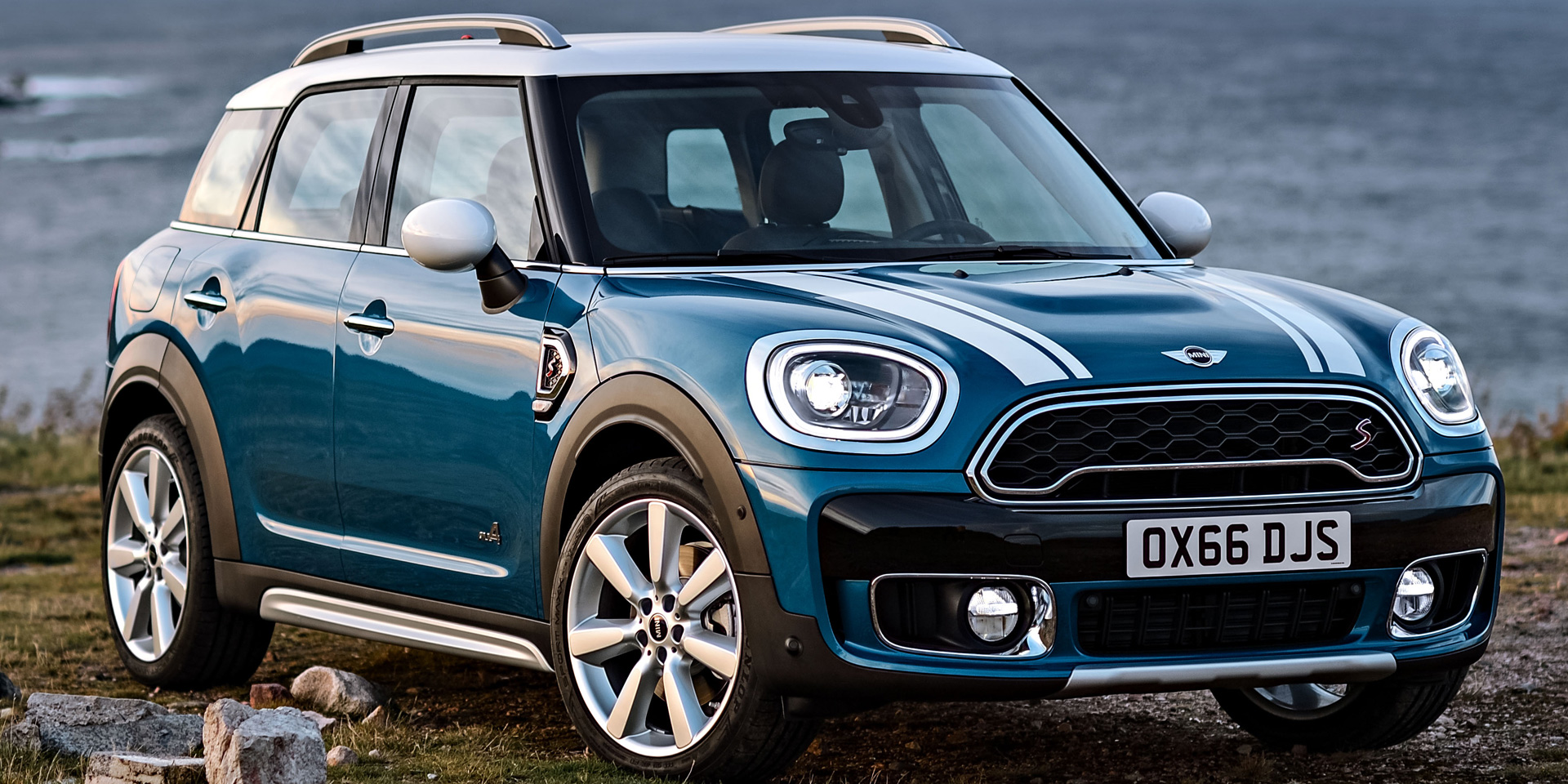 2018 mini countryman vehicles on display chicago auto show. Black Bedroom Furniture Sets. Home Design Ideas