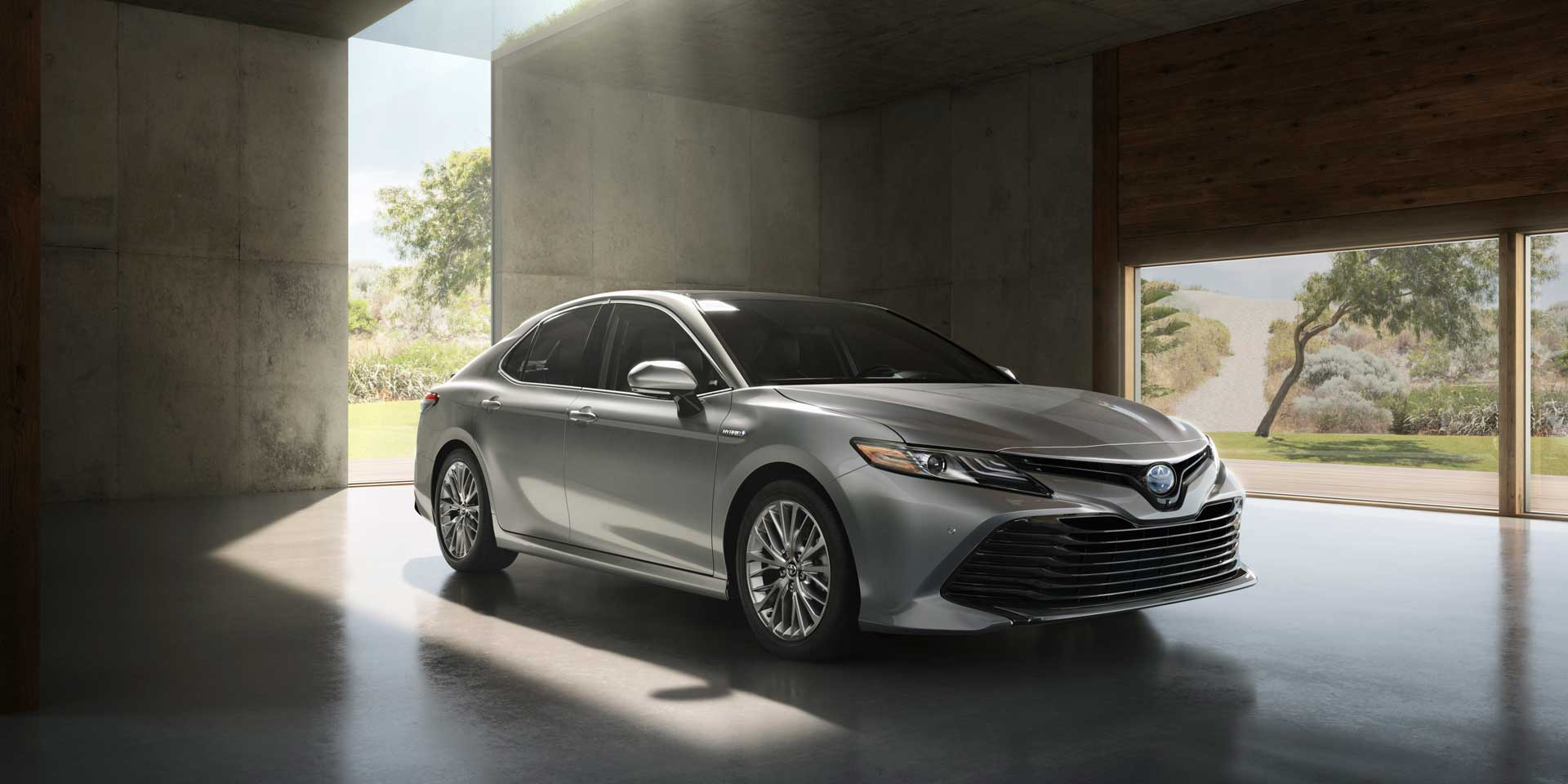 2019 - Toyota - Camry - Vehicles on Display | Chicago Auto Show