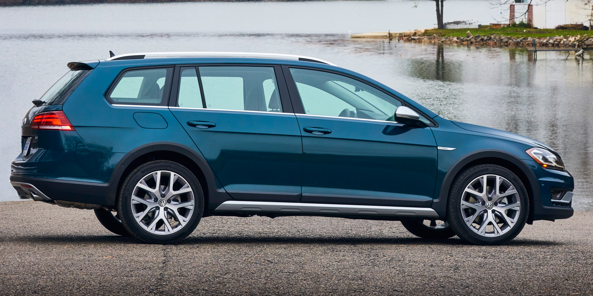 2018 Volkswagen Golf Alltrack Vehicles On Display