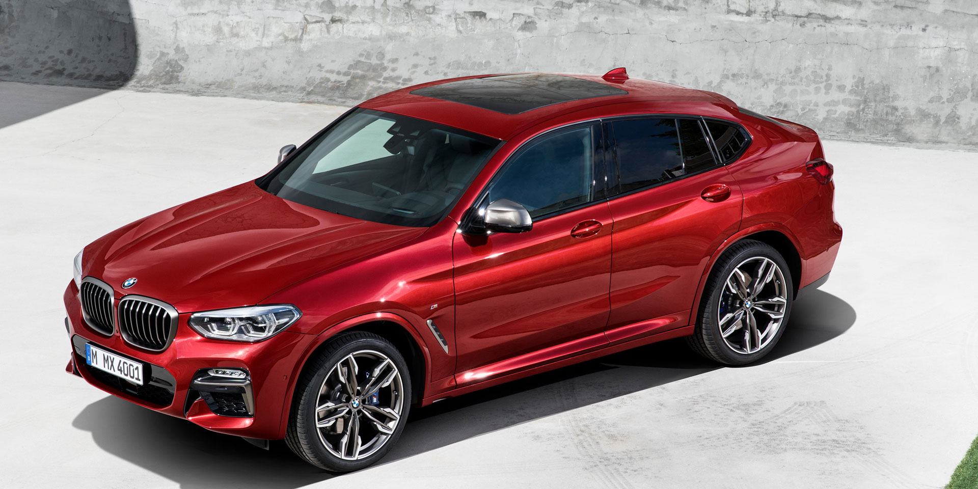 2019 bmw x4 vehicles on display chicago auto show. Black Bedroom Furniture Sets. Home Design Ideas