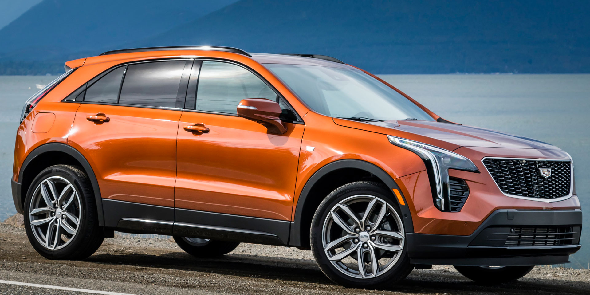 2019 - Cadillac - XT4 - Vehicles on Display | Chicago Auto ...