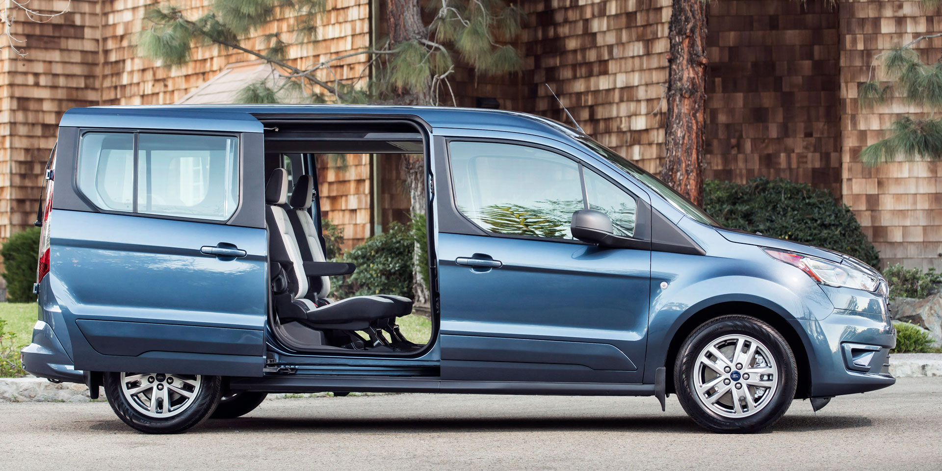 2019 ford transit connect vehicles on display. Black Bedroom Furniture Sets. Home Design Ideas
