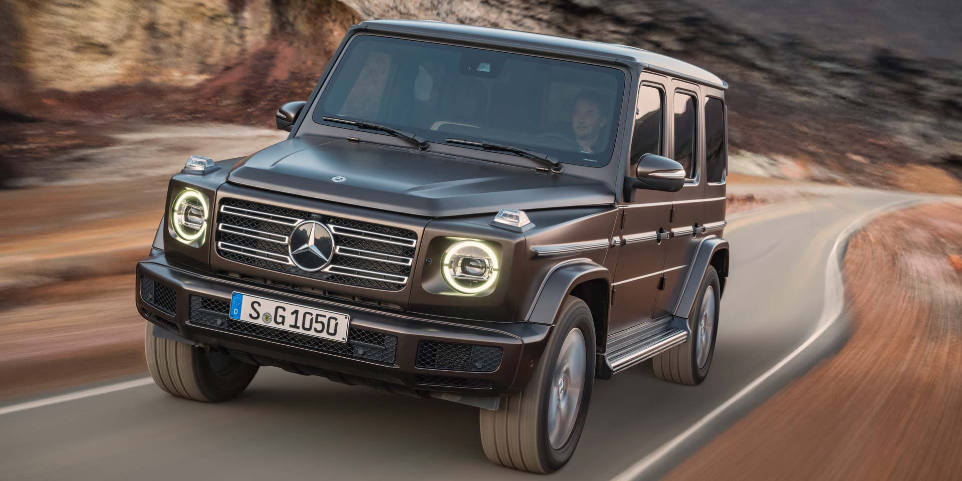 2019 mercedes benz g vehicles on display chicago for Mercedes benz boxy suv