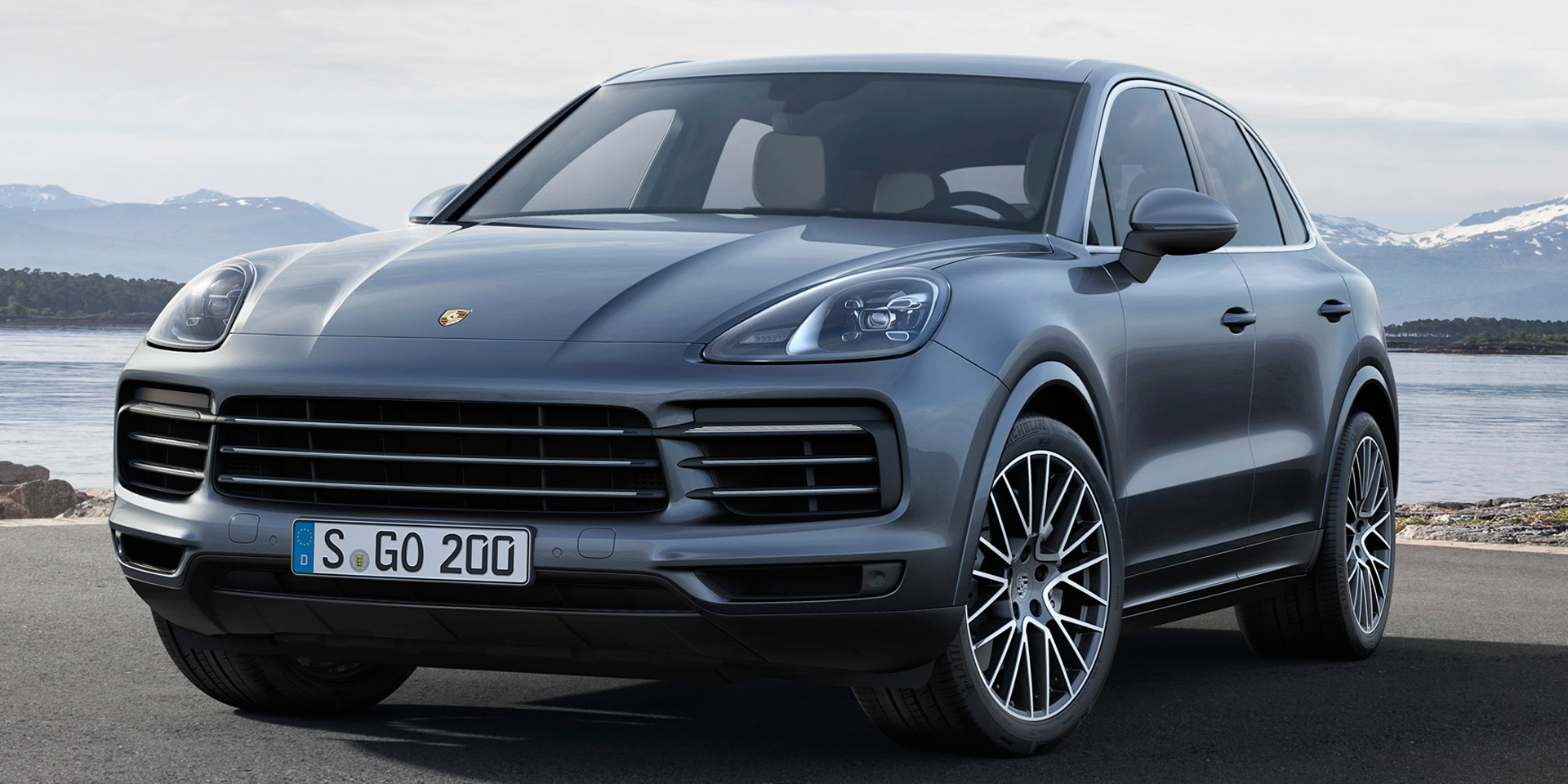 2019 - Porsche - Cayenne - Vehicles on Display | Chicago Auto Show