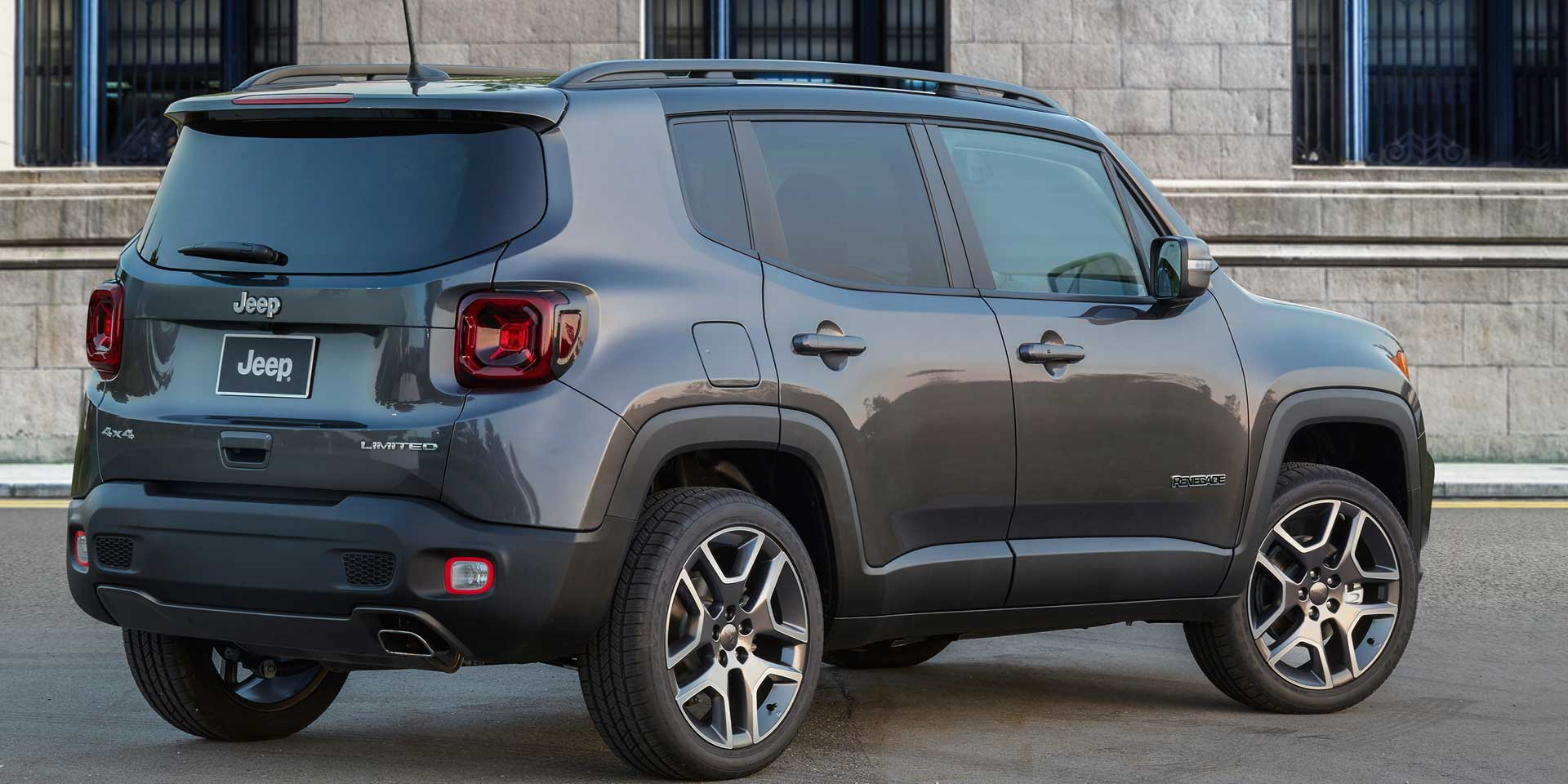 2019 jeep renegade vehicles on display chicago auto show. Black Bedroom Furniture Sets. Home Design Ideas