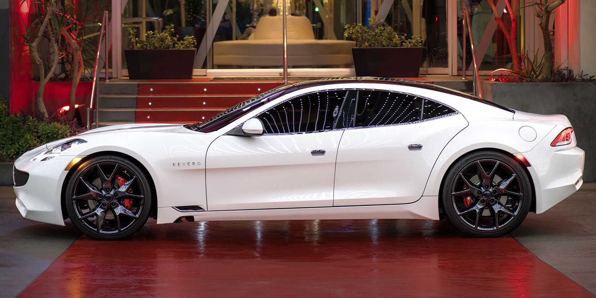 karma revero vehicles  display chicago auto show