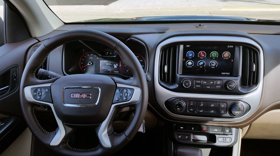 2015-Chevrolet-Canyon-GMC-Colorado-Interior-900