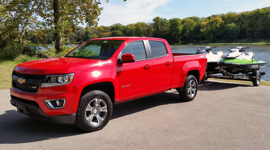 2015-Chevrolet-Canyon-GMC-Colorado-front-900