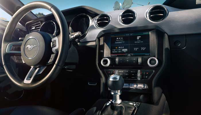 2015-Ford-Mustang-Interior-Blog