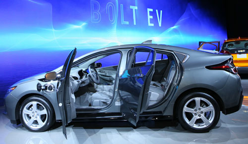 2016-Chevy-Volt-BOS